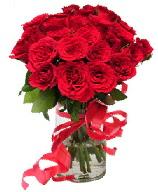 21 adet vazo içerisinde kırmızı gül  Kayseri çiçek çiçekçi mağazası