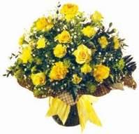 Kayseri çiçek çiçek siparişi sitesi  Sari gül karanfil ve kir çiçekleri