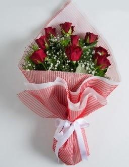 9 adet kırmızı gülden buket  Kayseri çiçek çiçekçi mağazası