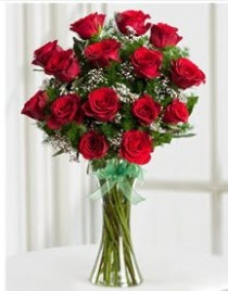 Cam vazo içerisinde 11 kırmızı gül vazosu  Kayseri çiçek çiçek mağazası , çiçekçi adresleri