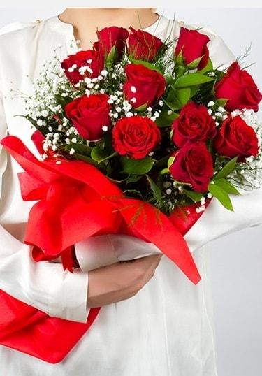 Aşk Gülleri 11 Adet kırmızı gül buketi  Kayseri çiçek hediye çiçek yolla