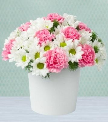 Seramik vazoda papatya ve kır çiçekleri  Kayseri çiçek çiçek siparişi vermek
