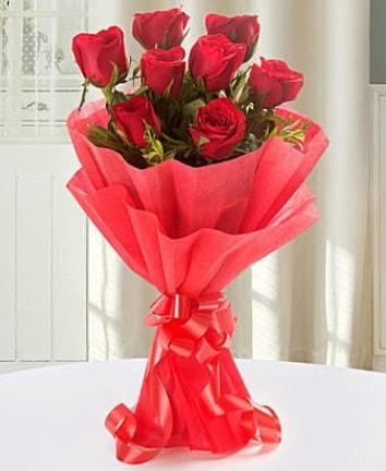 9 adet kırmızı gülden modern buket  Kayseri akkışla çiçek çiçekçi telefonları