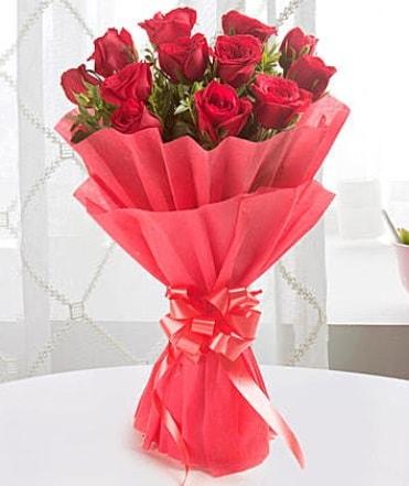 12 adet kırmızı gülden modern buket  Kayseri özvatan çiçek çiçek , çiçekçi , çiçekçilik