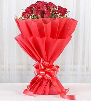 12 adet kırmızı gül buketi  Kayseri çiçek çiçekçiler
