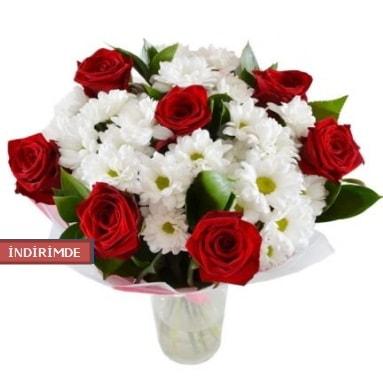 7 kırmızı gül ve 1 demet krizantem  Kayseri çiçek çiçek satışı
